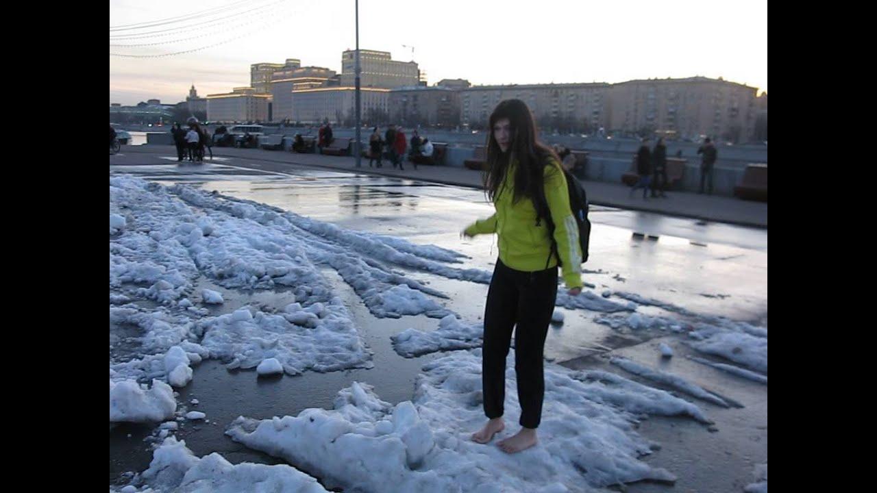 девушка фото на снегу