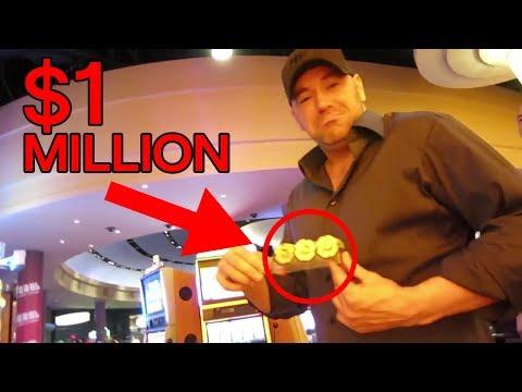 Dana White Gets Banned From Casino for Winning Too Much Money!