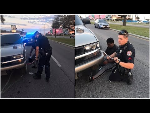 Police Officer Doesn't Have Spare Tire To Help Stranded Driver, So He Calls His Mom For Backup