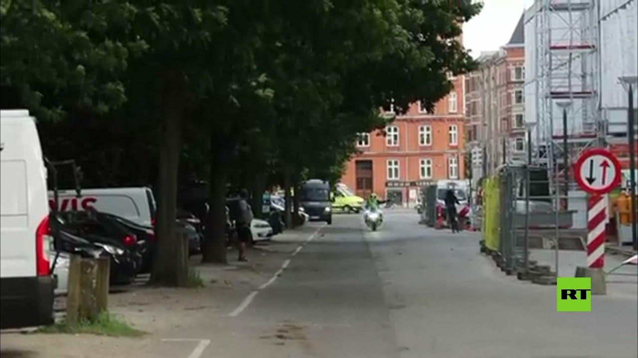 سيارة إسعاف تنقل نجم المنتخب الدنماركي كريستيان إريكسن إلى مستشفى بعد سقوطه خلال مباراة مع فنلندا  - نشر قبل 4 ساعة