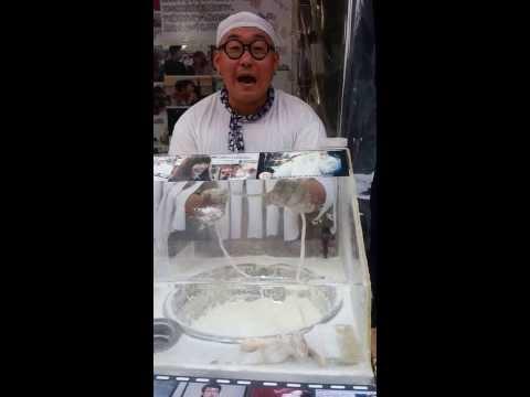 Funniest Korean spoken word performer / chef