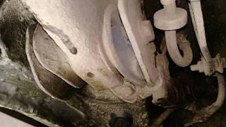 Тозуы сайлентблоков артқы арқалықтар.Passat B3/Damaged rear boom silent blocks