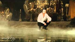 Gerard Butler sings