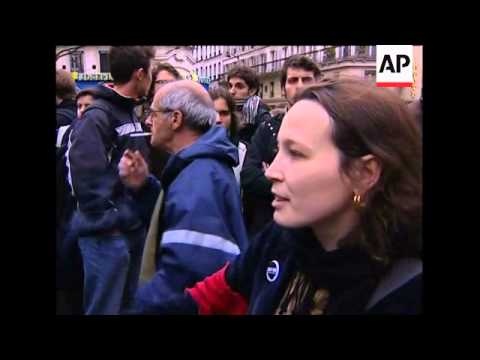 Students block Sorbonne access in anti-government protest