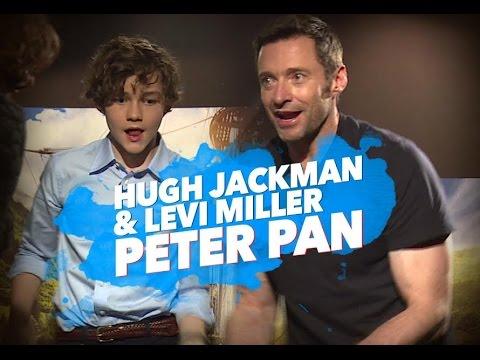 Hugh Jackman y Levi Miller hablan de Peter Pan ¡y cantan Nirvana!