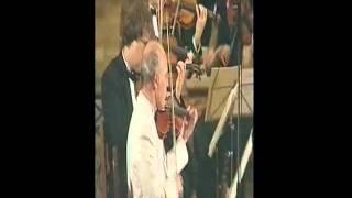Claude Puyalte joue les concertos pour mandoline de Vivaldi avec l