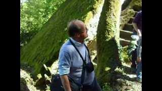 Bomarzo, il prof. Steingraber guida la visita alla misteriosa Piramide 21.04.12