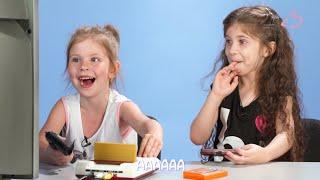 Современные дети впервые играют в Денди