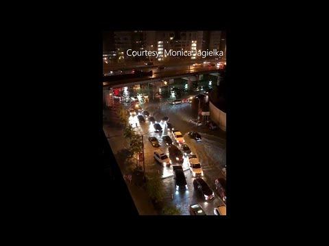 Flash flooding paralyzes Toronto traffic