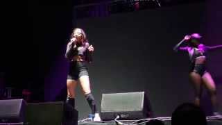Tinashe Ft. Future – How Many Times (The PinkPrint Tour) Concert