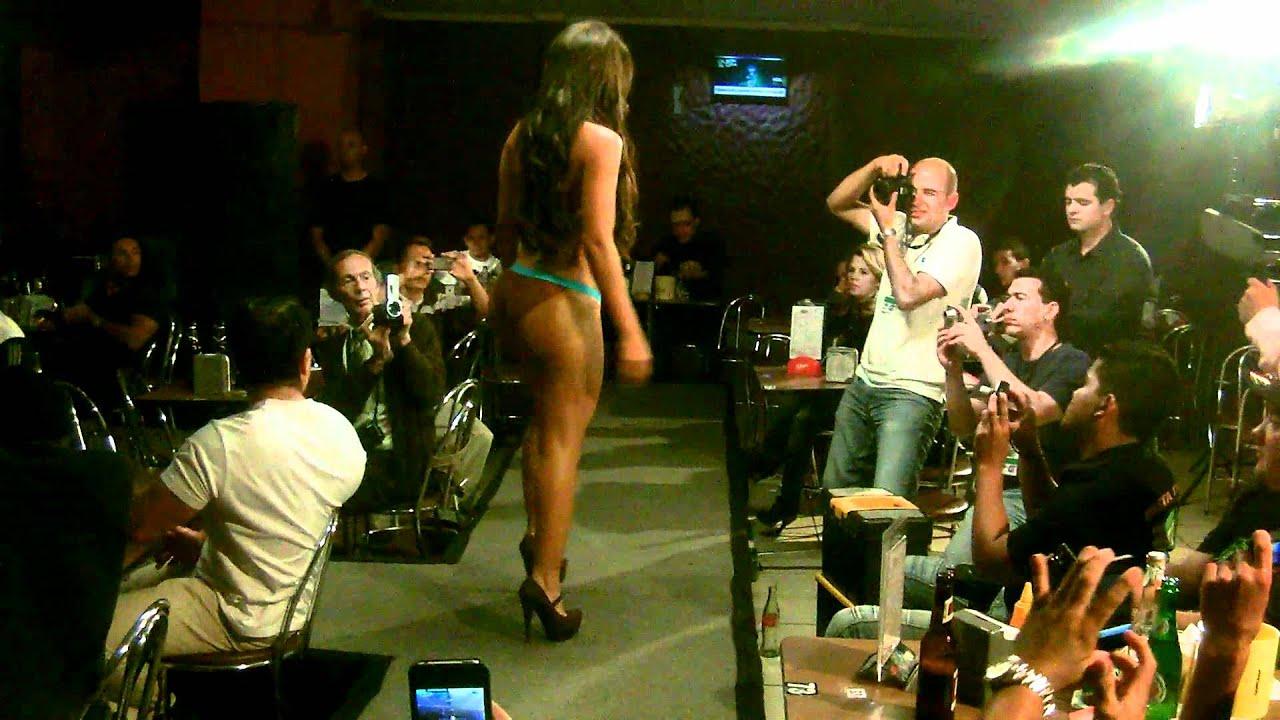 Keylin Castro Pasarela Casa Zeller Marzo 2012 Video 3  YouTube