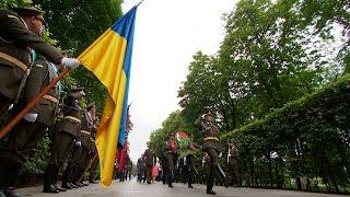 Лукашенко возложил цветы к памятнику Вечной Славы и посетил мемориал жертвам Голодомора в Киеве