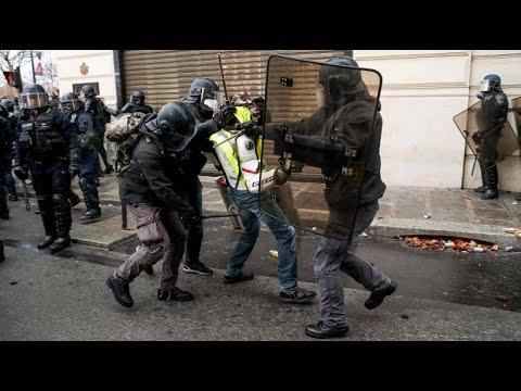 """Nach weiteren Protesten: Tausend """"Gelbwesten"""" festgenommen"""
