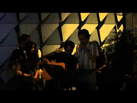 Deddy Kusuma Live Karaoke at Seminyak,Bali - so proud of you, Papa!