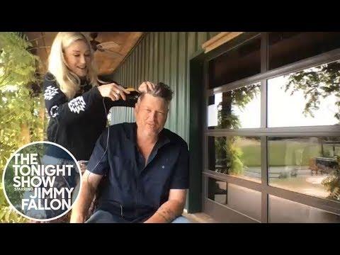 Gwen Stefani Gives Blake Shelton a Quarantine Haircut