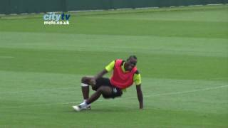FUNNY Mario Balotelli mimics Joe Hart