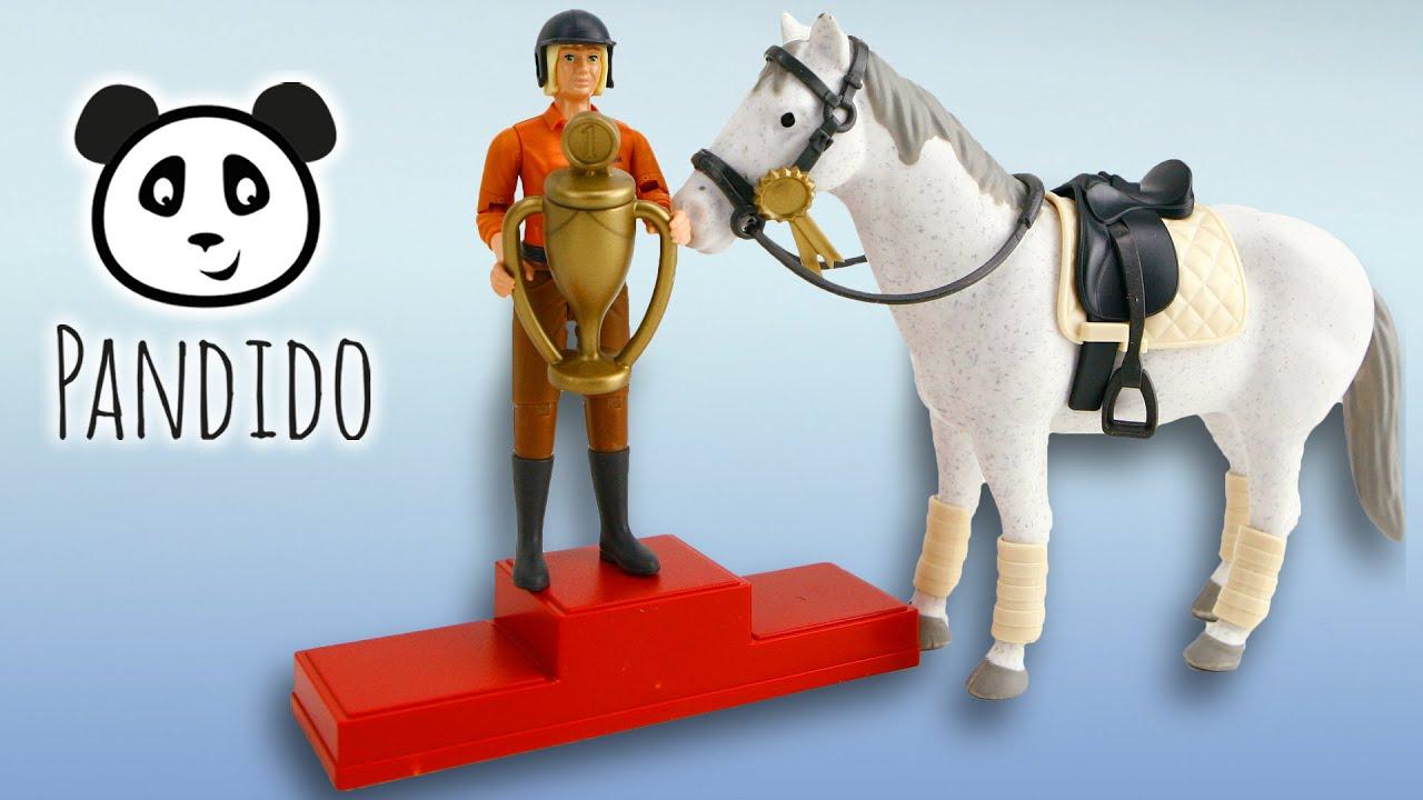 bruder spielwaren gro er pferde springparcours mit reiterin und pferd spielzeug ausgepackt. Black Bedroom Furniture Sets. Home Design Ideas