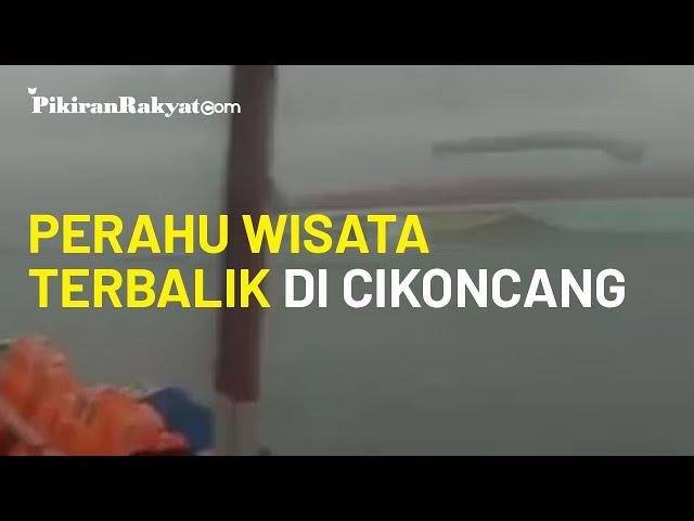 Video Viral, Rekaman Detik-detik saat Sebuah Perahu Wisata di Bendungan Cikoncang Terbalik