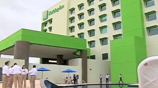 Inaugura las Instalaciones del Hotel Holiday Inn en Coatzacoalcos.