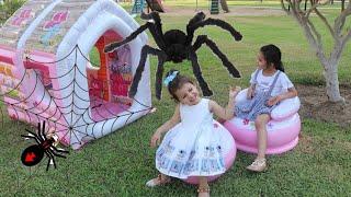 العنكبوت الأسود لدغ سوار | itsy bitsy spider | spider monster story | spider bitten | Playhouse Kids