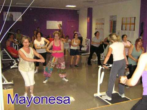 Curves reus gimnasio femenino youtube for Gimnasio femenino