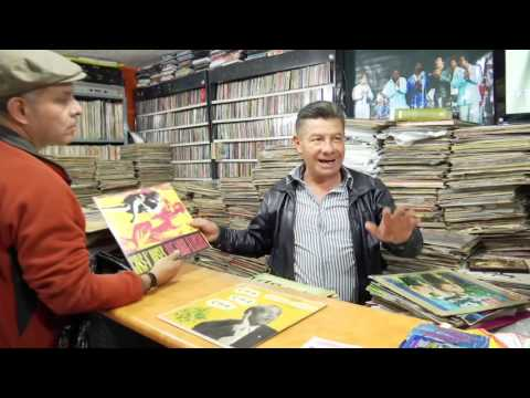 Amante de la salsa, coleccionista de más de 145.000 mil discos en vinilo.