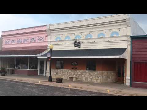Cottonwood falls - Chase County