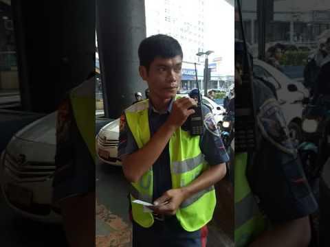 Pnp Hpg, inabala mga pasahero at driver ng bus na ROV, hinuli sa MRT ORTIGAS patitiketan sa CROSSING