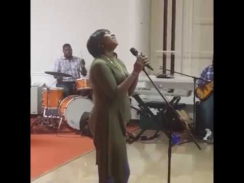Mary Mary - Yesterday [ Le'Andria Johnson Cover]