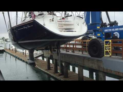 2008 Jeanneau 45 Deck Saloon Sailboat video Haulout for survey