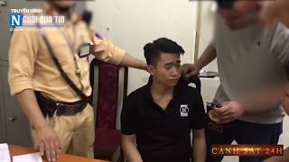 """CSGT Hà Nội giở võ, tóm gọn thanh niên mang """"kẹo"""" trên phố"""