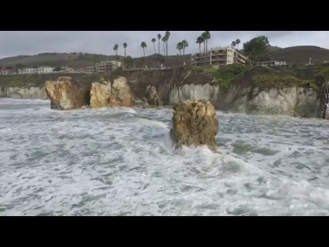 Very high tide in Pismo at the Seacrest.