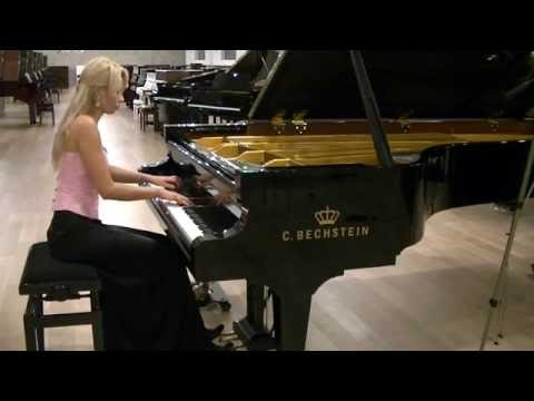 L.  van Beethoven Sonata in G major Op.  31 No. 1 Mov. 2, plays Anna Lipiak