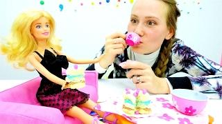 Барби готовит тортик. Игры в пластилин Плей До