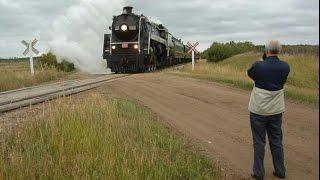 Chasing CN 6060 Stettler to Big Valley AB and return 17 September 2003