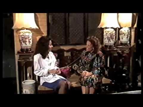 Yi-ming Cheongsam Qipao - polka dot beyond maternity collection BETSY Polka Dot Jersey Cheongsam from YouTube · Duration:  19 seconds