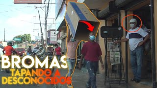 Download TAPANDO A DESCONOCIDOS CON UNA CAJA GIGANTE #2 😂 [Broma Camara Oculta]