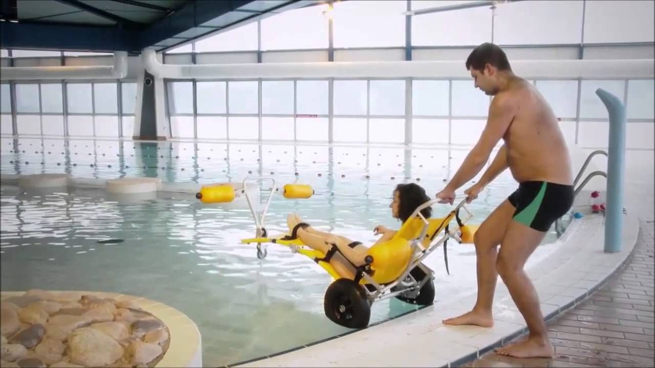 silla discapacitados sofao ayudas en la piscina youtube