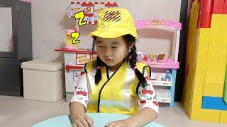 수지의 플레이 하우스 고치기 조립 장난감 놀이 Suji and Mama repairing children's playhouses