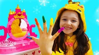 Öykü wants new clothes, jewelry and cosmetic playdoh Nail from his father - Funny Oyuncak Avı