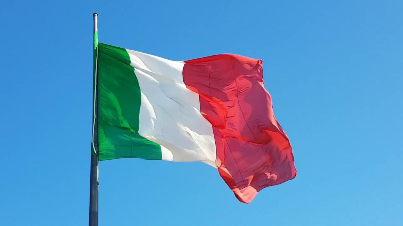 bandiera italiana - YouTube