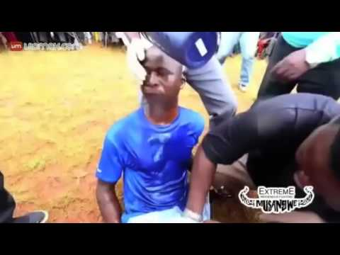 African Boxing Match & Method of Resuscitation from YouTube · Duration:  1 minutes 41 seconds