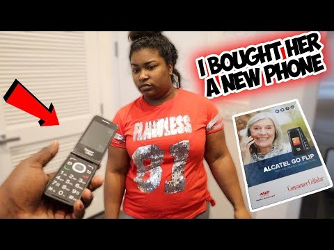 I BOUGHT MY BABY MAMA A NEW PHONE ! BUT SHE DIDNT LIKE HER NEW  FLIP PHONE