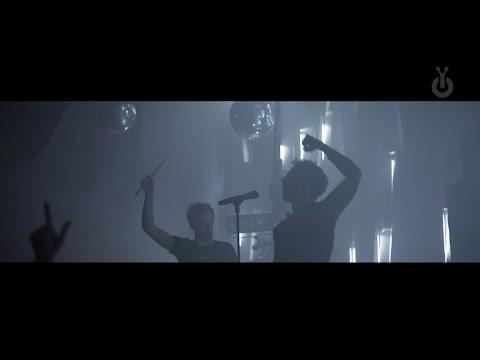 AaRON I Babylon Performance