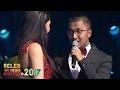 Mesranya Denada Nyanyi didampingi Sang Kekasih - Seleb On News Awards 2017 (9/2)