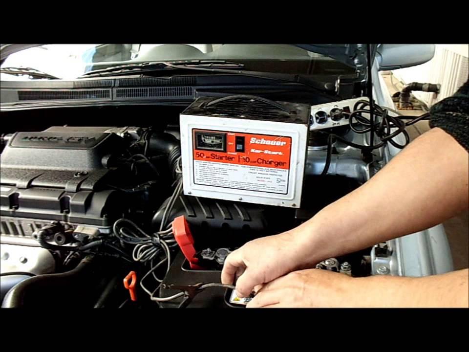 Se me descargo la bateria del auto que hago