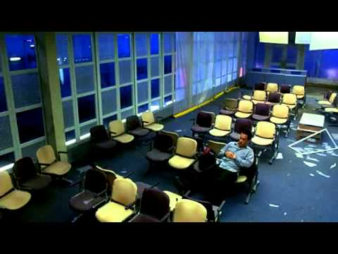 The Terminal (2004) Trailer