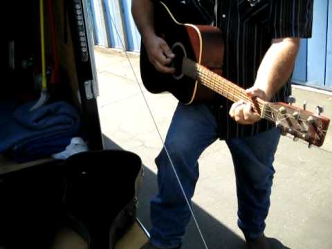 Storage Auction Unit Buyer & Pickers Picking in Bakersfield - Guitar Fun