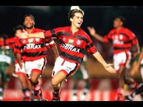 Sávio, atacante do Flamengo de 1992 até 1997
