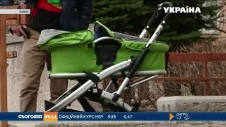 У Львові з поліклінік почали масово викрадати дитячі візочки
